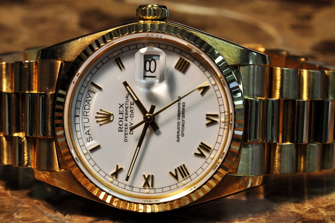 Rolex President Day Date Mens 18k Yellow Gold With White Roman Dial 18038 With Rolex Box